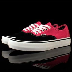 NWT VANS Authentic Pro Black Magenta W AUTHENTIC
